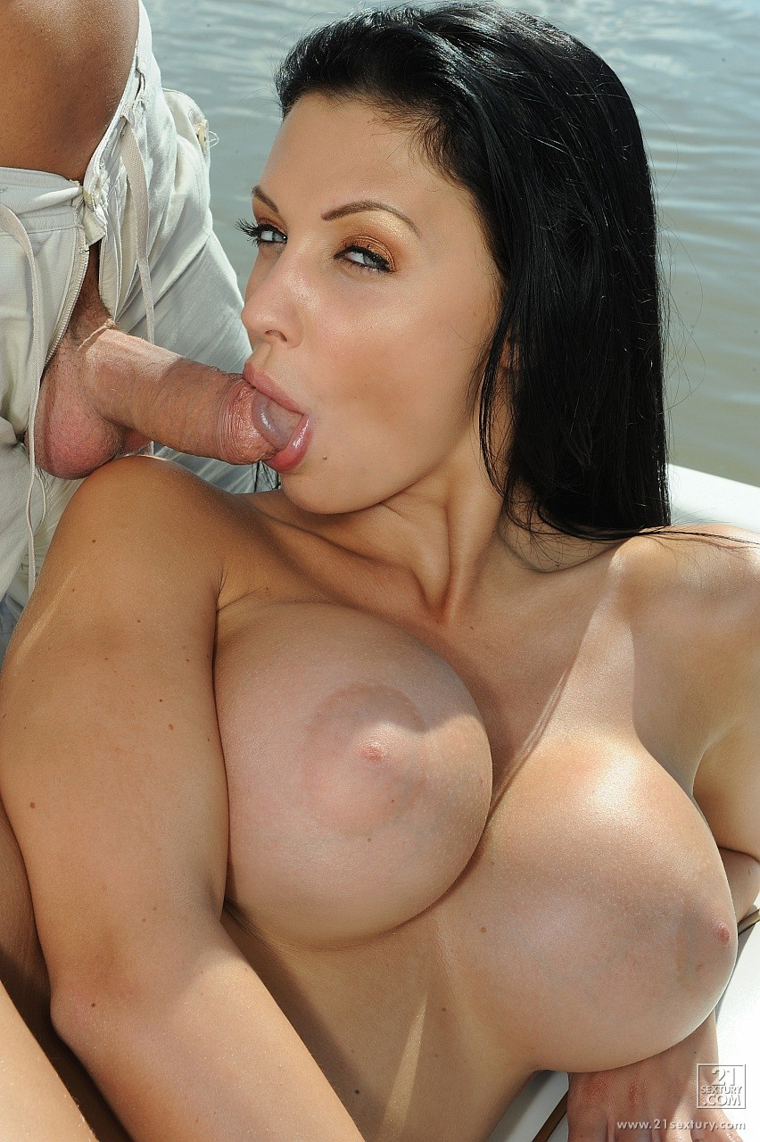 ... sexy brunette has all chances to drive you hot! Visit Aletta Ocean