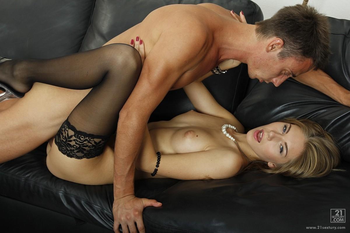 Порно стройные в чулках