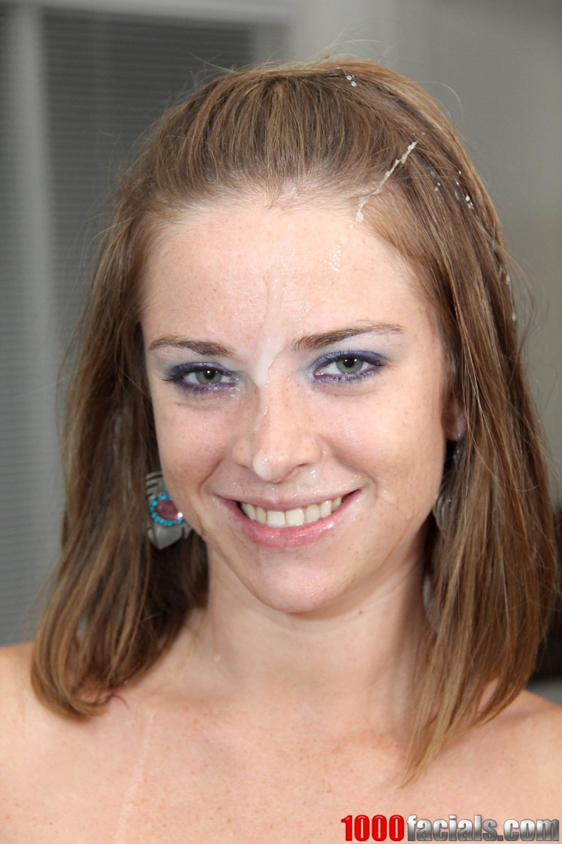 Sara sets out mature upskirt